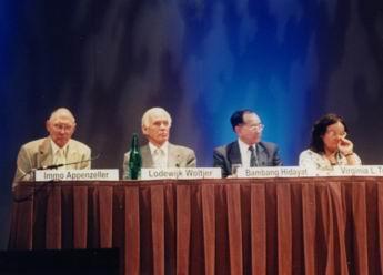 Bambang_Hidayat_sebagai_vice_president_IAU