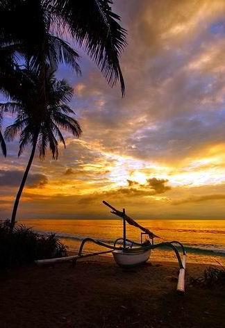 Pantai Senggigi, Pulau Lombok, Indonesia
