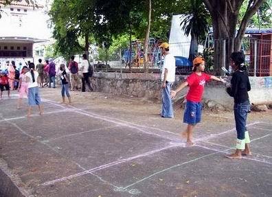 10 Permainan Klasik Khas Indonesia Yang Terlupakan : GALASIN GOBAK SODOR