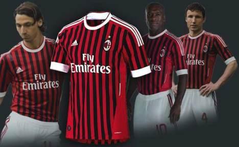 Kostum Baru AC Milan