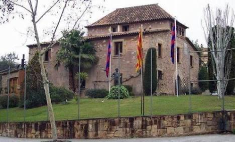 Mengunjungi La Masia, Rumah Batu Tempat Legenda Sepak Bola Barcelona Ditempa