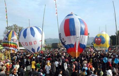 Festival Balon Meriahkan Hari Jadi Wonosobo