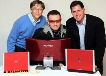 Michael Dell bersama Bill Gates dan Bono disebuah kontes IT