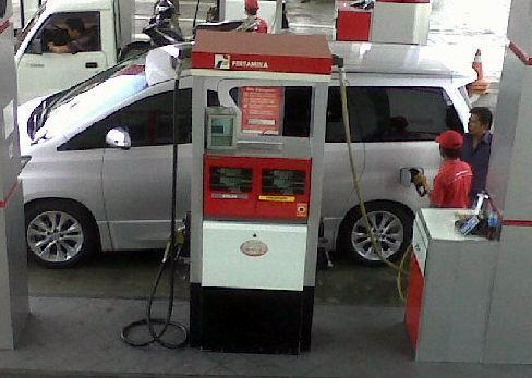 Mobil Mewah Isi Premium