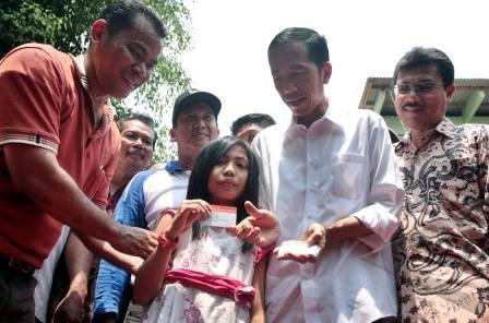 Jokowi saat peluncuran Kartu Jakarta Sehat